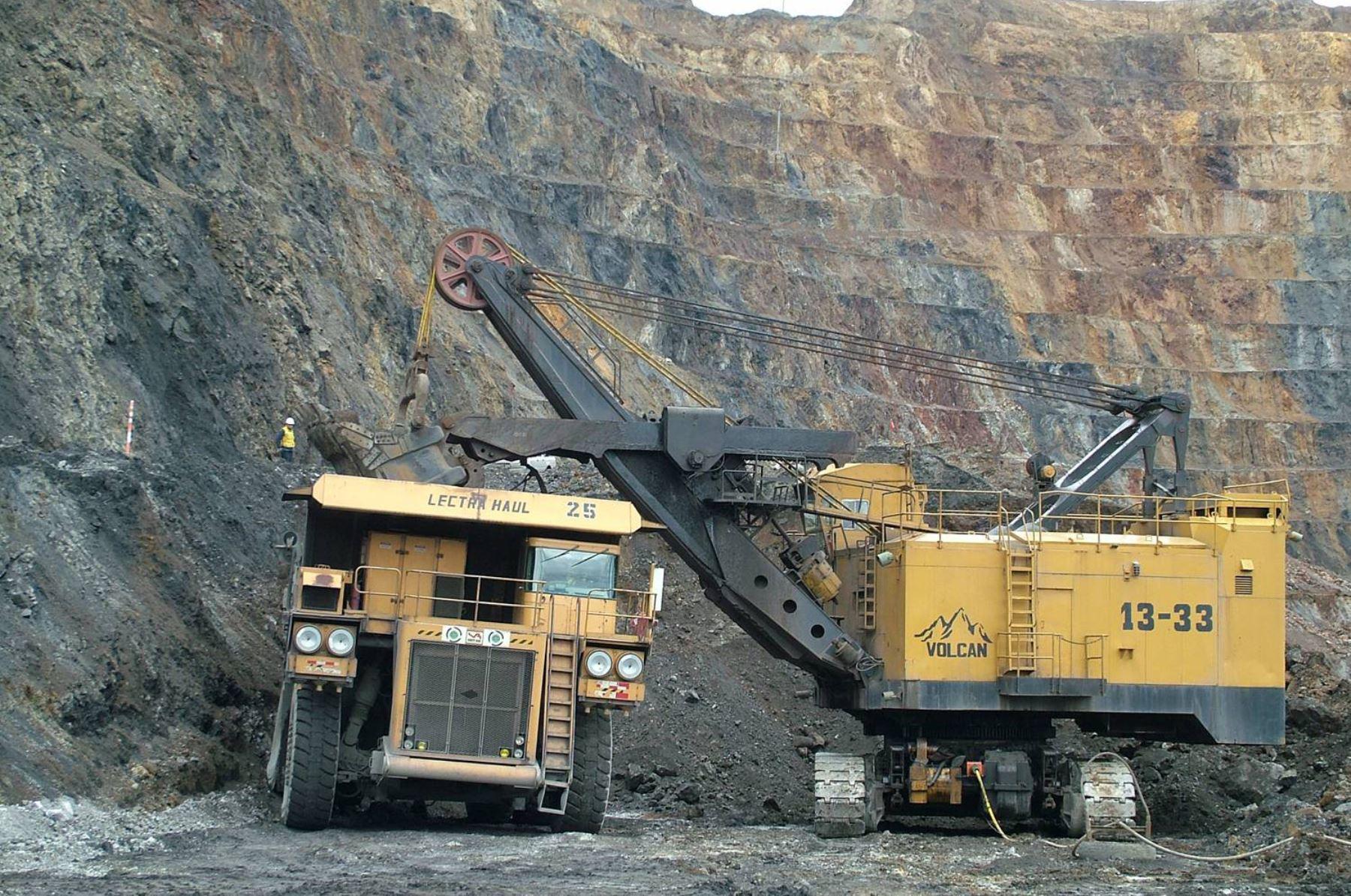 Minem impulsa iniciativas para mostrar beneficios de minería moderna