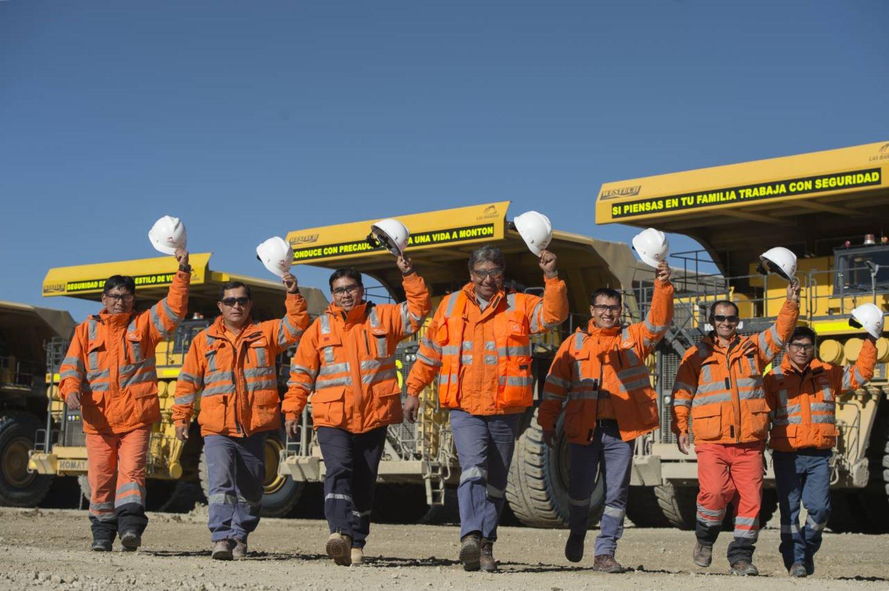 Empresas mineras evacuaron el 75% de su personal por cuarentena