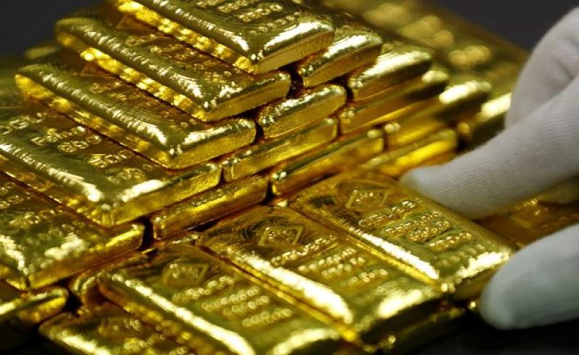 Precio del oro escala más de 4% tras nuevos estímulos de la Fed